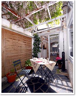 Maison avec petit jardin 1722 for Au petit jardin uzes